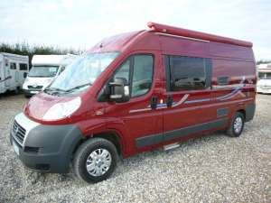 adria-twin-red-exterior