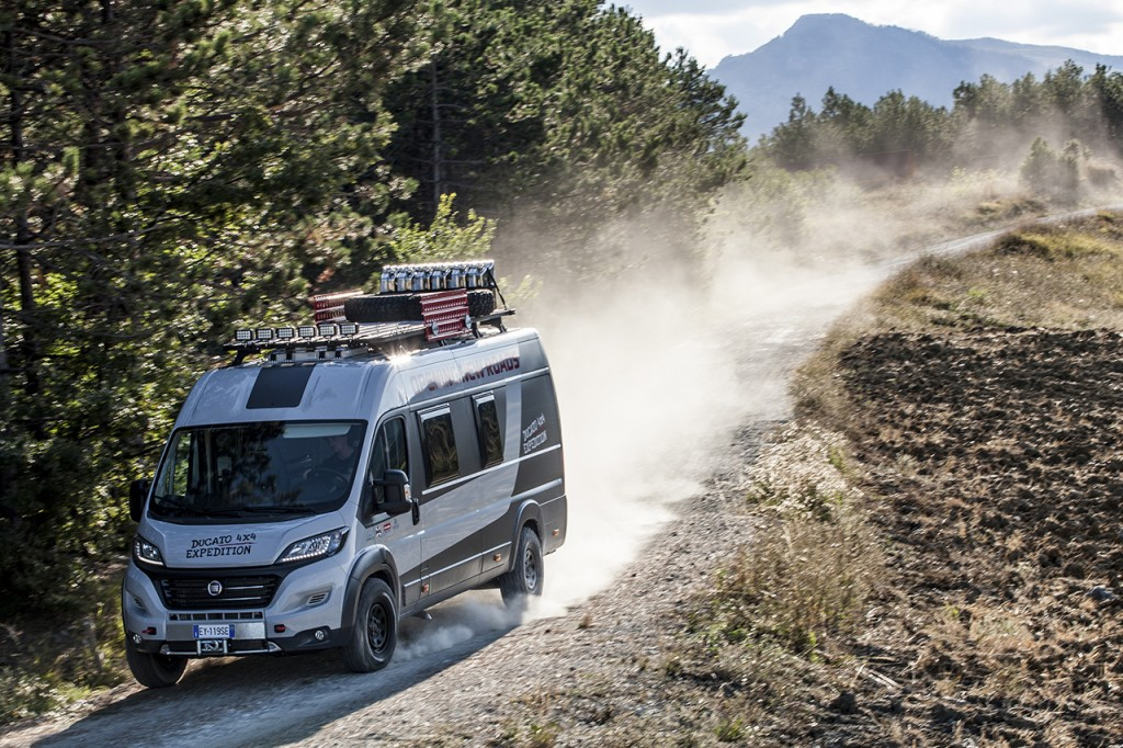 150827_Fiat-Professional_Ducato-4x4-Expedition_02